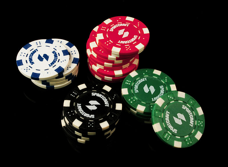 800px-Poker_Chips
